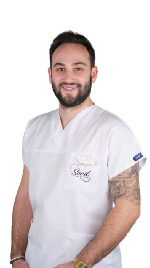 Dentist Nurettin